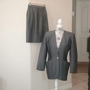 Christian Dior, The Suit, Size 6